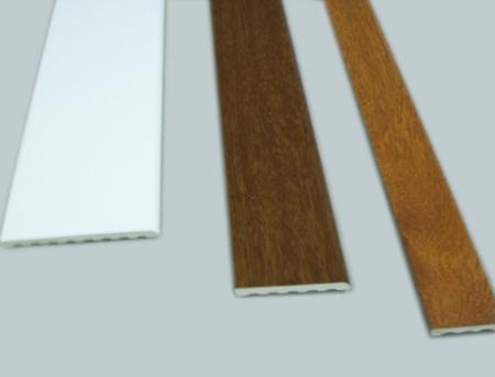 Tapajuntas de pvc lacadas en madera o color for Remate de puertas de madera