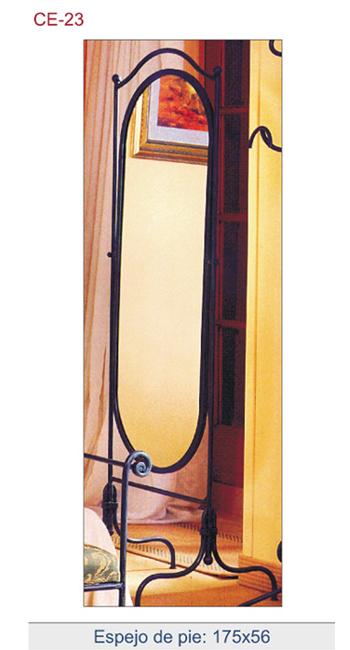 Espejo de pie en forja art stica utilizado principalmente for Espejo de pie dormitorio