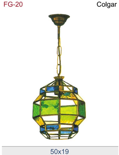 Farol de estilo andaluz con vidrio de colores.