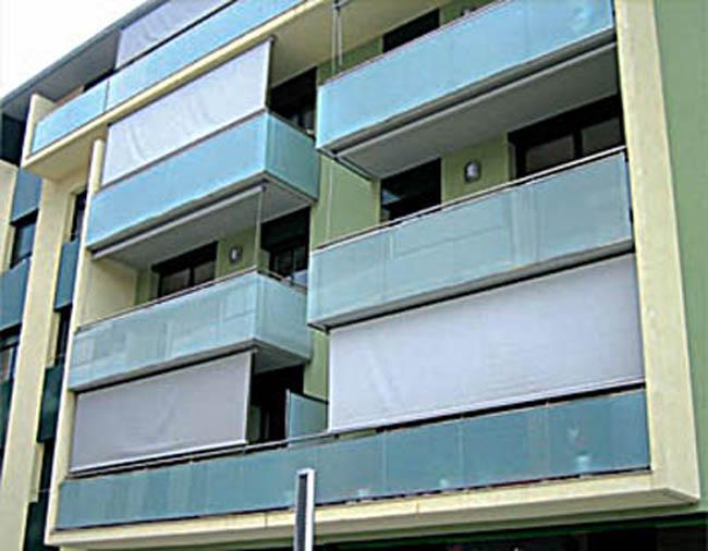 Toldo vertical para colocar en balcones o ventanas for Toldos para balcones precios