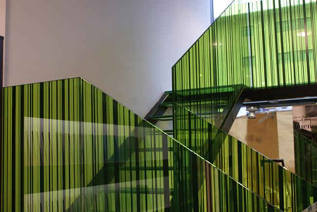 Vidrios decorados de todos los estilos y v lidos para for Vidrios decorados para puertas interiores